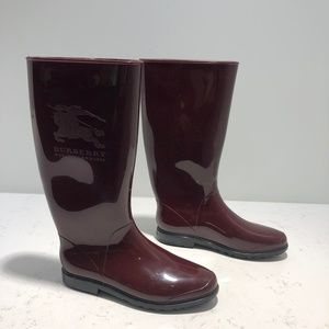 Burberry Nova Check Rain Boots in Burgundy